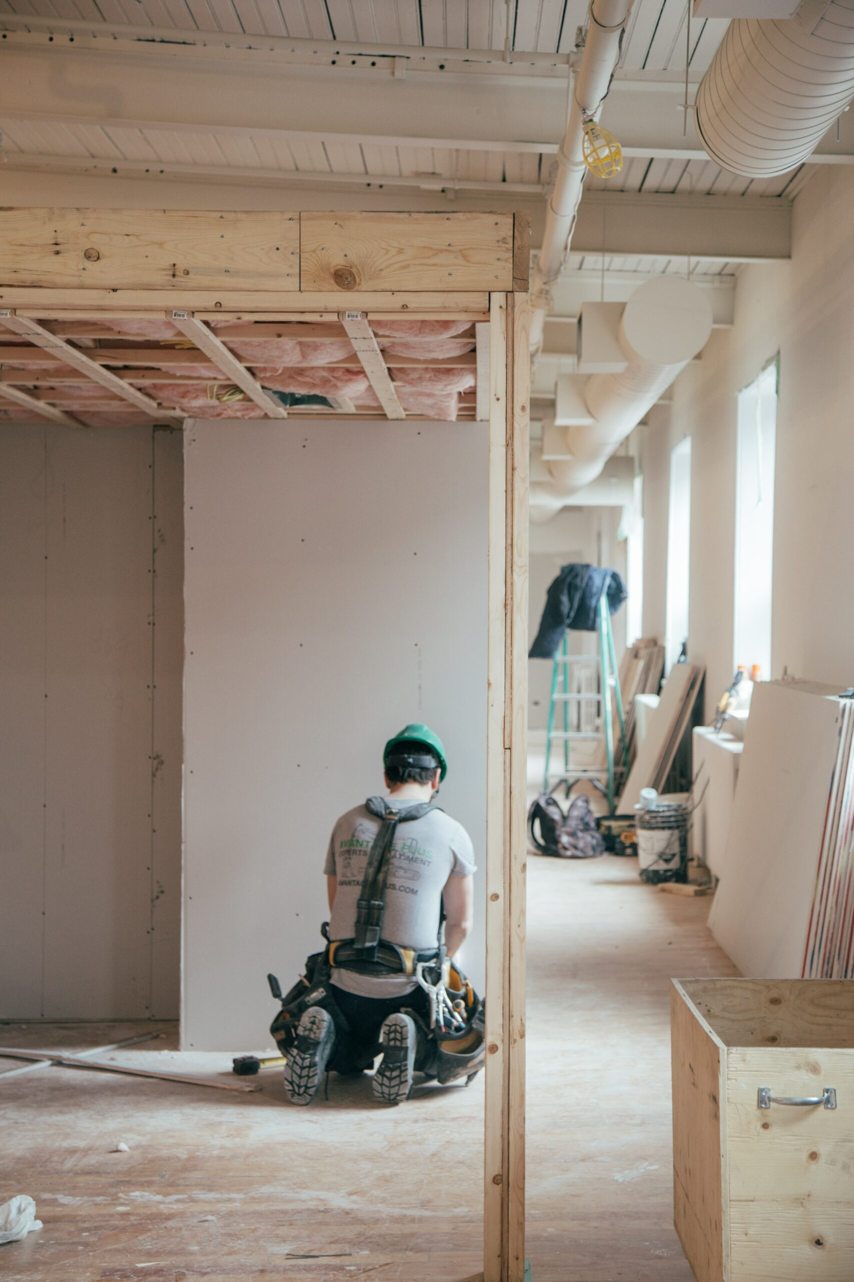 Does your contractor carry worker's compensation and general liability insurance?